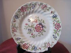Flower plate Mandarin by Franciscan made in Staffordshire England Porcelain Antique Plates, Vintage Plates, Decorative Plates, Casual Decor, Flower Plates, Plates And Bowls, Porcelain, England, Mood