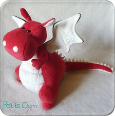 L'invasion a commencé… [Noël home-made – Petits Dom Animal Sewing Patterns, Craft Patterns, Doll Patterns, Sewing Stuffed Animals, Stuffed Animal Patterns, Sewing For Kids, Diy For Kids, Felt Crafts, Fabric Crafts