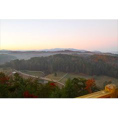 Escape to Blue Ridge  GA Cabin: Had a wonderful extended family retreat.  The cabin and area was beautiful!