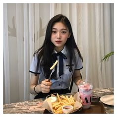 [social media au] +lowercase intended in which a girl came back fro… Ulzzang Korean Girl, Cute Korean Girl, Ulzzang Couple, Asian Girl, Ulzzang Fashion, Korean Fashion, Uzzlang Girl, School Uniform Girls, Girl Photography Poses