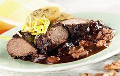 Poklady naší kuchyně ze Slezska: králík na černo, bigos či pirohy - iDNES. Steak, Desserts, Food, Tailgate Desserts, Deserts, Essen, Steaks, Postres, Meals