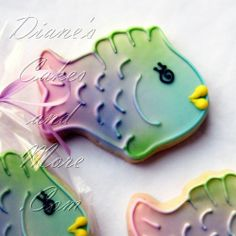 Wedding cakes, grooms cakes, cookies, and more for weddings and other events. Fancy Cupcakes, Fancy Cookies, Cute Cookies, Cupcake Cookies, Fish Cookies, Iced Cookies, Cookies Et Biscuits, Cookie Designs, Cookie Ideas