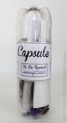 Make a Plastic Bottle Family Time Capsule (Free Printables!) Make a fun family time capsule using plastic soda bottles and our free printables! We'll give you labels and ideas for other items to add into your capsule. Family Crafts, Family Activities, Work Activities, Family Games, Soda Bottles, Plastic Bottles, Time Capsule Kids, Preschool Graduation, Ideias Diy