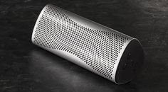 Den portablen Bluetooth Speaker KEF MUO Wireless Speaker gibt es nun in einer weiteren Ausführungsvariante, und zwar in Form des besonders eleganten KEF MUO Metal.