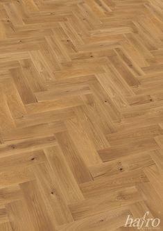 GEBÜRSTET | OXIDATIV NATUR GEÖLT LÄNGE: 600 mm BREITE: 150 mm STÄRKE: 15 mm SYSTEM: Dropdown Clic mit Fase AUFBAU: 2-Schicht Designdiele #hafroedleholzböden #parkett #böden #gutsboden #landhausdiele #bödenindividuellwiesie #vinyl #teakwall #treppen #holz #nachhaltigkeit #inspiration Hardwood Floors, Flooring, Vinyl, Design, Crafts, Inspiration, Stairways, Sustainability, Oak Tree