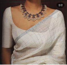 Shop Sexy Trending Dresses – Chic Me offers the best women's fashion Dresses deals Sari Blouse Designs, Saree Blouse Patterns, Fancy Blouse Designs, Trendy Sarees, Stylish Sarees, Saree Jackets, Saree Jewellery, Kerala Saree, Indian Sarees