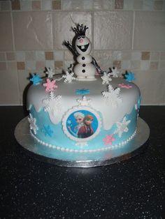 Single tier frozen inspired cake.