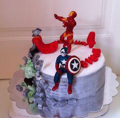 Torta Avengers Assemble - Le torte di Camilla Jesholt Buffatti