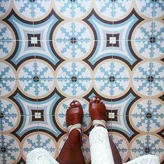 1900: Beltri Celeste - 20x20cm.   Floor Tiles - Gres   VIVES Azulejos y Gres S.A. #tile #feet  #IHaveThisThingsWithFloors