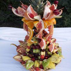 Fuente de frutas hecha por Karina para la boda de Marco & Laura