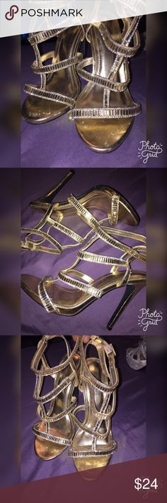 Gold embellished heels Size is a 7.5 color is gold with embellishment, good condition wore twice , not trading ! ❤️ Shoes Heels