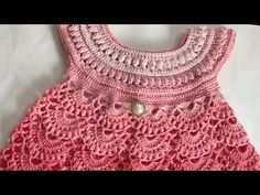 This tutorial will show you how to crochet a pretty dress which can be made in any size for a baby. Baby dress that can be knitted in different sizes accordi. Crochet Girls Dress Pattern, Crochet Yoke, Baby Girl Crochet, Crochet Baby Clothes, Crochet For Kids, Crochet Stitches, Crochet Patterns, Baby Girl Patterns, Crochet Videos