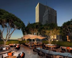 Aman New York Eröffnung im Frühling 2021 - The Chill Report Nyc Hotels, Hotels And Resorts, Central Park, New York, Fresco, Manhattan, Most Luxurious Hotels, Outdoor Restaurant, Urban Park