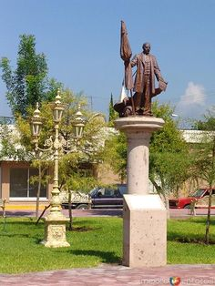 sabinas hidalgo fotos   Fotos de Sabinas Hidalgo, Nuevo León, México: Monumento a Benito ...