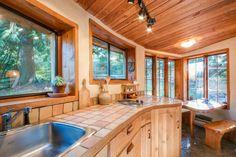 Unique Cob Cottage - Kitchen