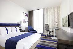 Stay Smart at @Holiday Inn Express hotels Bangkok Siam