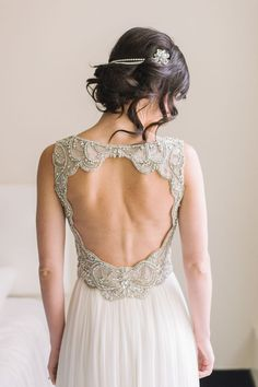 Kicking off a beautiful Spring Monday with 10 Open Back Wedding Gowns! From glamorous couture to boho simplicity, today we're sharing backless gowns for every type of bride! Open Back Wedding Dress, Dream Wedding Dresses, Wedding Gowns, Wedding Hair, Bridal Looks, Bridal Style, Wedding Tumblr, Chicago Wedding, Wedding Styles
