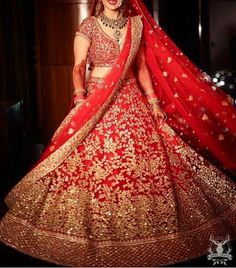 Are you looking for bridal lehenga designs photos for reception and wedding? Here is a latest 2018 & 2019 collections of bridal lehenga images. Wedding Lehnga, Indian Bridal Lehenga, Red Lehenga, Indian Bridal Outfits, Indian Bridal Wear, Indian Dresses, Lehenga Choli, Eid Dresses, Wedding Dresses