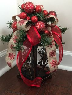 Beautiful Christmas Lantern Centerpieces For Home Decor 03 Rustic Christmas, Simple Christmas, Christmas Home, Christmas Holidays, Christmas Wreaths, Christmas Ornaments, Primitive Christmas, Christmas 2019, Christmas Christmas
