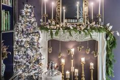 These purple and gold Christmas decor ideas are gorgeous! I love the glam Christmas decor and evergreen garland. It looks so pretty with the fireplace mantel. Purple Christmas Decorations, Purple Christmas Ornaments, Black Christmas Trees, Colorful Christmas Tree, Christmas Tree Themes, Beautiful Christmas, Christmas Tables, Whimsical Christmas, Elegant Christmas