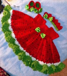 Crochet Baby Girl Crochet watermelon dress with crown and shoes this one is Baby Girl Crochet, Crochet Baby Clothes, Crochet For Kids, Crochet Dresses, Crochet Baby Dress Pattern, Baby Dress Patterns, Crochet Crown, Crochet Patterns, Watermelon Dress