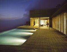 Außenbereich Deck Beleuchtung-Nachts Design Villa-BEton Glas-Infinity Pool-jardin del sol