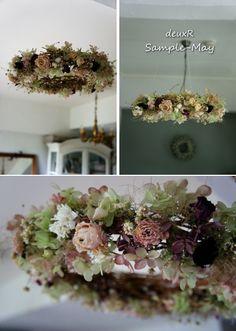 deuxR Modern Wreath, Flower Chandelier, Green Flowers, Flower Arrangements, Wedding Flowers, Floral Wreath, Arts And Crafts, Xmas, Wreaths