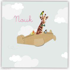 Geboortekaartje met giraf in vliegtuig van karton | Lievekaarten.nl | # birthannouncements cardboard airplane