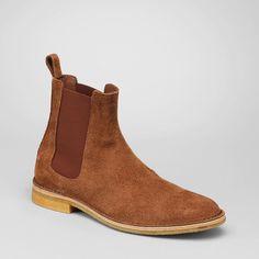 Kanye West Arrives in NYC for Met Ball wearing Balmain Hoodie and Bottega Veneta Chelsea Boots | UpscaleHype