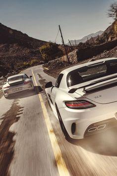 Mercedes-Benz SLS Black Series & Porsche 911 GT3