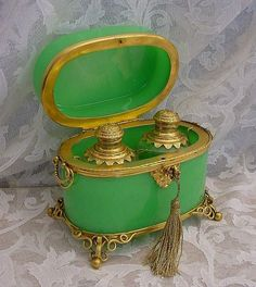 Antique vintage green opaline scent casket with gold mounts, containing two perfume scent bottles. Lock with tasseled key
