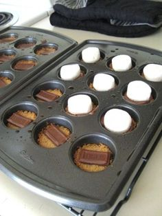 S'mores bites. Can use GF graham crackers.