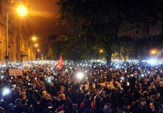 Miles de personas marchan en Budapest contra el impuesto por envío de datos en Internet | Tecnología | EL MUNDO
