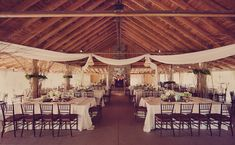 I love rustic style weddings!