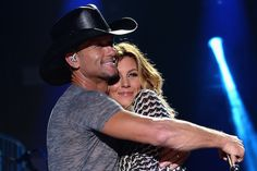 Tim McGraw and Faith Hill have been cornerstones in country music for years, and their time-tested marriage is an inspiration to many. Country Love Songs, Best Country Music, Country Singers, Kinds Of Music, Music Love, Best Love Stories, Love Story, Male Country Artists, Love Selfie