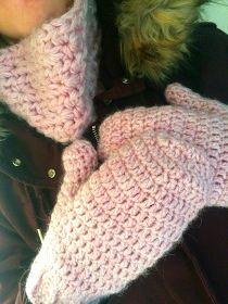 """Au Crochet qui m'aille...: Moufles """"Pétale"""""""