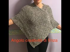 Knitted poncho for beginners facileEasy sweater Baby Knitting Patterns, Loom Knitting, Crochet Patterns, Silver Blonde Hair, Simple Shirts, Knitted Poncho, Pullover, Handmade Bags, Knit Crochet