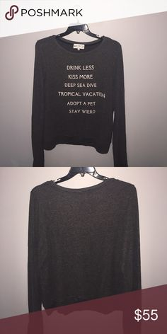 Wildfox sweater Worn once. Super soft and comfy! Wildfox Sweaters Crew & Scoop Necks
