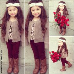 CHIC BEBE DOYLE - Kid's Style - white head wrap, high brown retro boots, grey wool cardigan, dark tights, patterned top