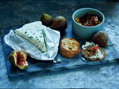 Mehevistä viikunoista valmistuu aromikas kompotti eli hilloke, joka sopii hyvin erilaisten juustojen seuraan.