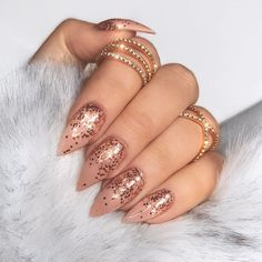 Life won't sparkle, unless you do ✨✨ nails by nail goddess @electanailart __ #nikkietutorials - NikkieTutorials (@nikkietutorials)