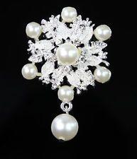 1 Pc Crystal  Wedding Bridal Bouquet Metal Flower Pearl Rhinestone Brooch Pin