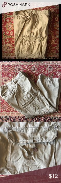Old Navy Olive Carpenter Cargo Pants In good condition Old Navy Carpenter Cargo Pants in Light Olive Color. Old Navy Pants Cargo