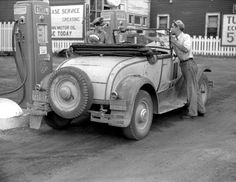 "1930 or Model ""A"" Ford Deluxe roadster with a Wisconsin license plate appears to be at a Union Oil Co. Superior Wisconsin, Pompe A Essence, Old Gas Pumps, Oil Service, Ford Roadster, Old Gas Stations, Filling Station, Boston Public Library, The Good Old Days"