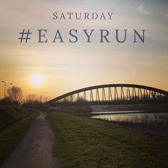 Sabato di corsa! Corsa leggera prima del lungo della domenica  #easyrun #runner #saturday #running #roadtomarathon #runkeeper #sunset #bridge #river #marecchia #keeppushing