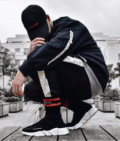 112 beautiful urban fashion outfits ideas - page 1 Urban Fashion, Mens Fashion, Fashion Outfits, Men's Outfits, Fashion Trends, Men Looks, Urban Style Outfits, Black And White Shoes, Photography Poses For Men