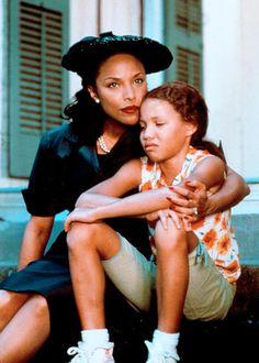 Lynn Whitfield & Jurnee Smollett in 'Eve's Bayou' (1997) Costume Design by  Karyn Wagner.