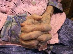 kädet paljon uurastaneet