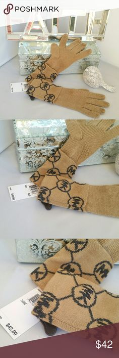 LAST DAY AUTHENTIC Michael Kors gloves Trusted SellerSuggested User Authentic  Brand new with tags Michael Kors gloves in classic tan with gray MK logos. A perfect gift to yourself or for someone you love!   matching headband in my closet   MORE Michael Kors items in my closet   Shop with confidence Suggested User Same day shipping 5 star rated closet Top seller Michael Kors Accessories Gloves & Mittens