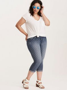 b67784841da Plus Size Torrid Cropped Jeggings - Medium Wash with Heart Print